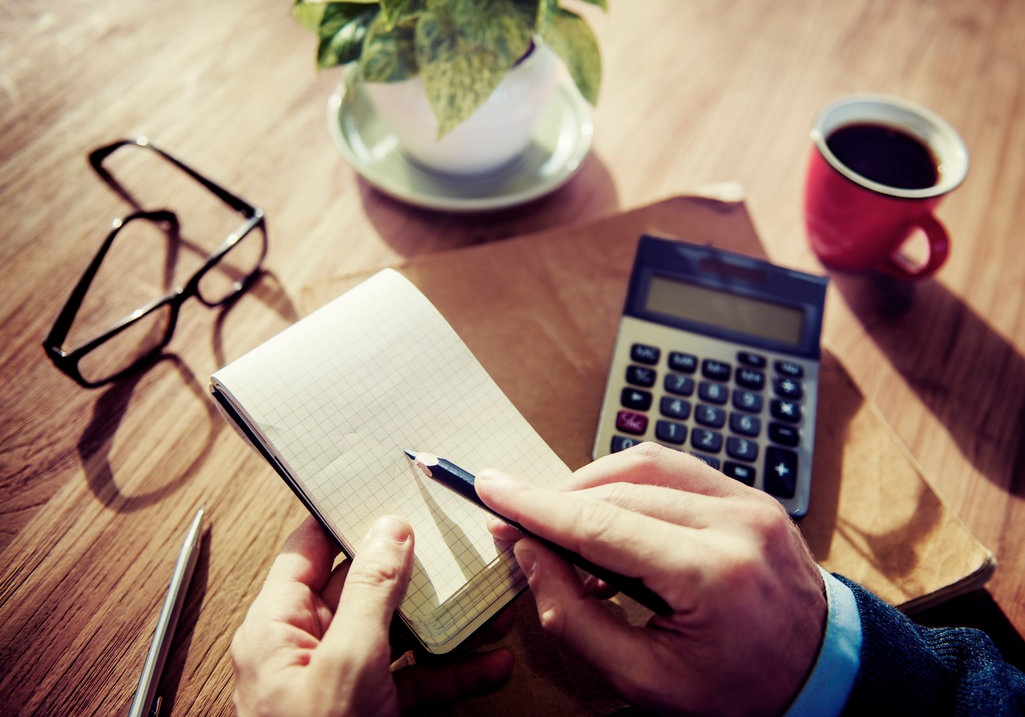 9 Top-Notch Ways to Spend Your Insurance Sales & Marketing Budget
